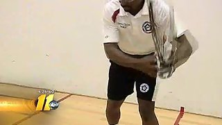 Wounded soldiers play racquetball